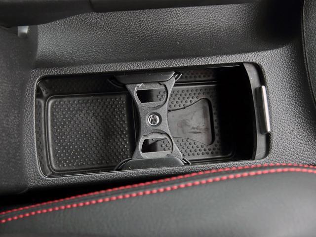 GTI アディダス 専用デザインシート、18インチホイール、LEDテールランプが特徴の国内350台特別仕様限定車です。(27枚目)