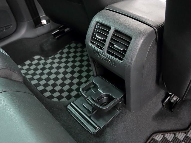 GTI アディダス 専用デザインシート、18インチホイール、LEDテールランプが特徴の国内350台特別仕様限定車です。(37枚目)