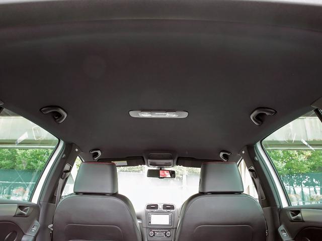 GTI アディダス 専用デザインシート、18インチホイール、LEDテールランプが特徴の国内350台特別仕様限定車です。(46枚目)