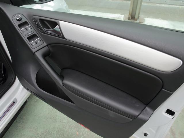 GTI アディダス 専用デザインシート、18インチホイール、LEDテールランプが特徴の国内350台特別仕様限定車です。(48枚目)
