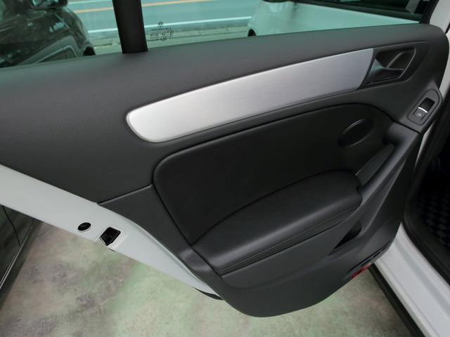 GTI アディダス 専用デザインシート、18インチホイール、LEDテールランプが特徴の国内350台特別仕様限定車です。(52枚目)
