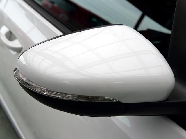 GTI アディダス 専用デザインシート、18インチホイール、LEDテールランプが特徴の国内350台特別仕様限定車です。(61枚目)
