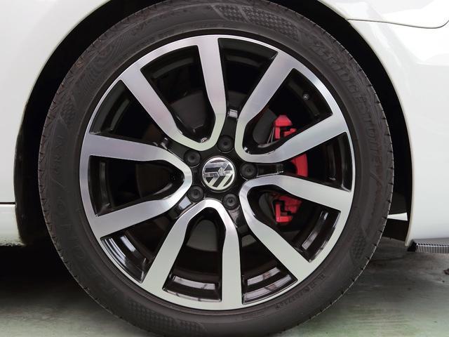 GTI アディダス 専用デザインシート、18インチホイール、LEDテールランプが特徴の国内350台特別仕様限定車です。(69枚目)