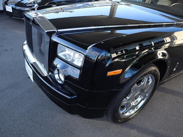 ロールスロイス ロールスロイス ファントム SWB 左ハンドル ディーラー車