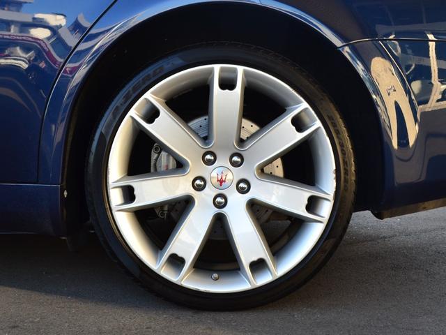 マセラティ マセラティ クアトロポルテ スポーツGT 4.2 デュオセレクト 右ハンドル D車