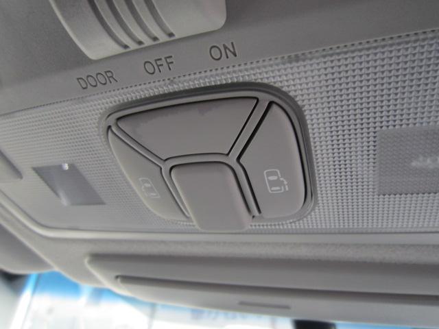 ★両側スライドドア★左側電動スライド!狭い駐車場や壁際などでの乗降りに便利です!操作はワイヤレスリモコン、室内のコントロールスイッチ、ドアハンドルで行えます!挟み込み防止機能付で安心!