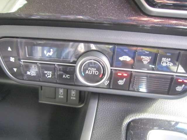 ★寒い冬場にうれしいシートヒーター★お尻がポカポカ!エアコンが利く前に乗り込むことが多いドライバーの身体を素早く暖めてくれます!