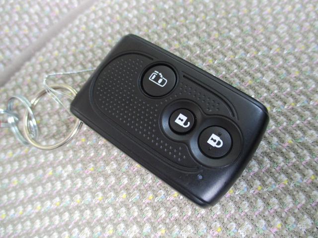 X 4WD パワースライド CDステレオ スマートキー プッシュスタート オートエアコン エコアイドル ETC セキュリティアラーム ロールサンシェード インパネシフト ベンチシート スモークガラス ミラクルオープンドア 助手席ロングスライド(15枚目)