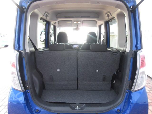 後席使用時でも十分な広さを確保した荷室空間!ショッピングもレジャーも大活躍します!!