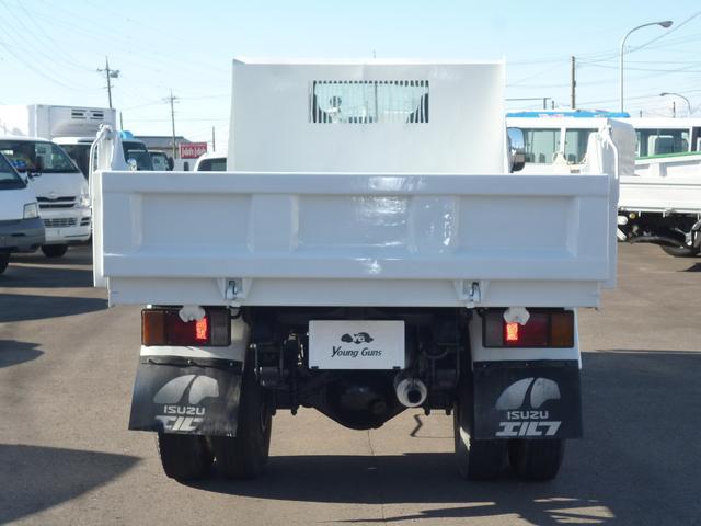 いすゞ エルフトラック ダンプ2t 色塗り替え(青から白)