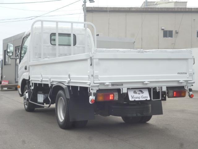 4.0D 平ボディ2トン積載 車両総重量4.435kg(9枚目)