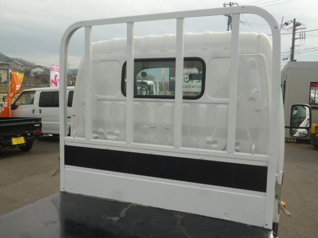 4.0D 平ボディ2トン積載 車両総重量4.435kg(12枚目)