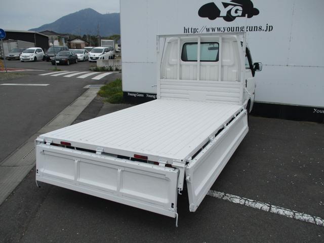 平ボディ 後輪Wタイヤ 1トン積載 ガソリン車(11枚目)
