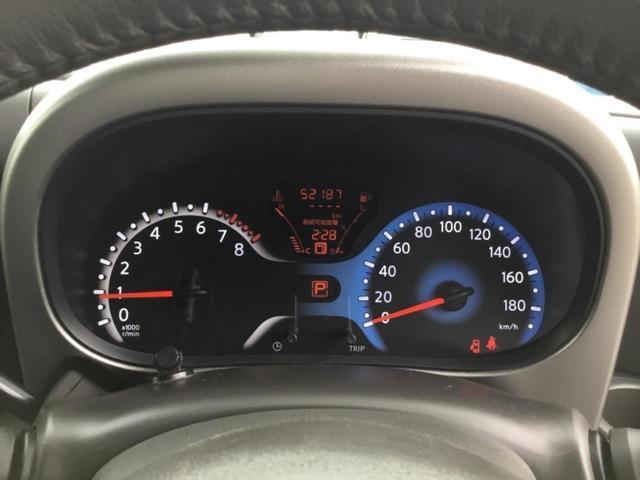 ラゲッジスペースは後席を倒せば使い方色々です。