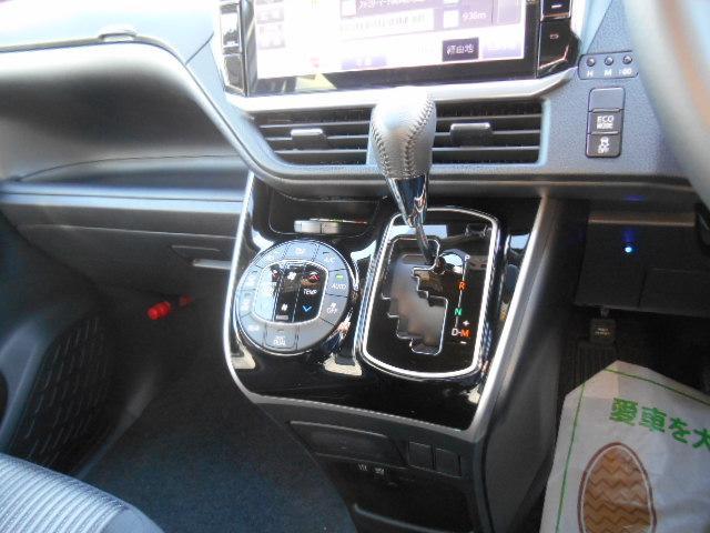 トヨタ ヴォクシー ZS 煌 アルパイン11型専用ナビ 後席モニター Bカメラ