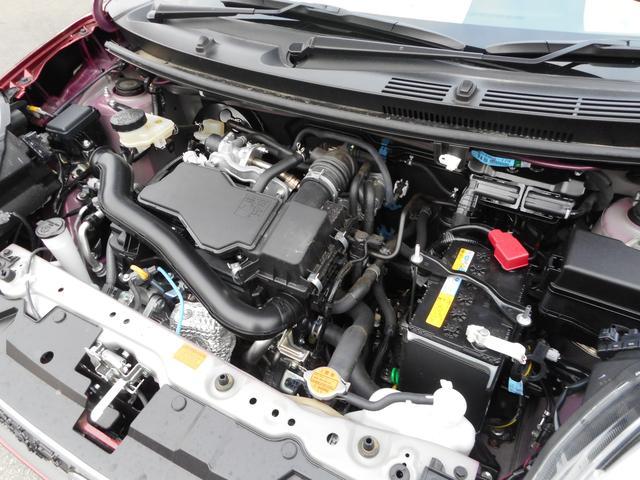 エンジンもキレイです!ディーラーで点検整備して新車保証継承して納車になります!安心ですね!
