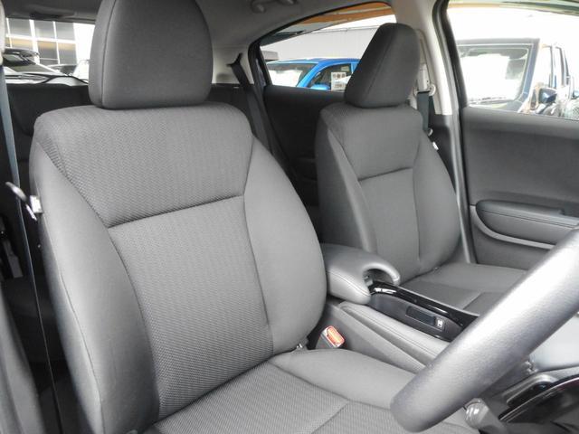運転席はもちろん助手席や後席でも、乗る人すべてがくつろげる広々としたゆとりのある室内空間です!専門業者の車内クリーニング施工でとっても綺麗に!落ち着いた内装でドライブも楽しくできますね!