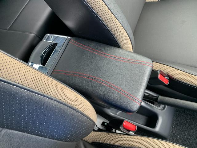 ランドベンチャー 5MT 4WD ナビフルセグTV バックサイドモニター ドラレコ ワンオーナー 2インチリフトアップ 社外リーディングアーム 社外ラテラルロッド マッドタイヤ 車検R5年1月 マット バイザー(22枚目)