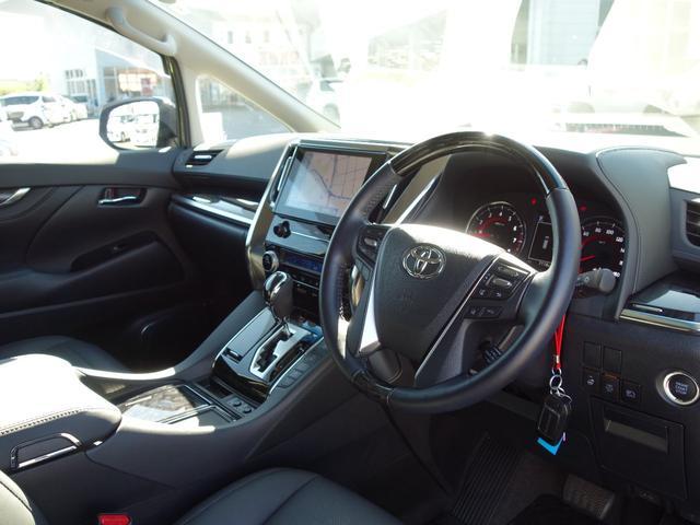 2.5S Cパッケージ 新車保証継承付 9インチTコネクトナビ付ディスプレイオーディオ フルセグTV 12.1インチリアモニター バックカメラ 合皮シート 3眼LEDライト 純正18インチAW 両側電動スライドドア(6枚目)