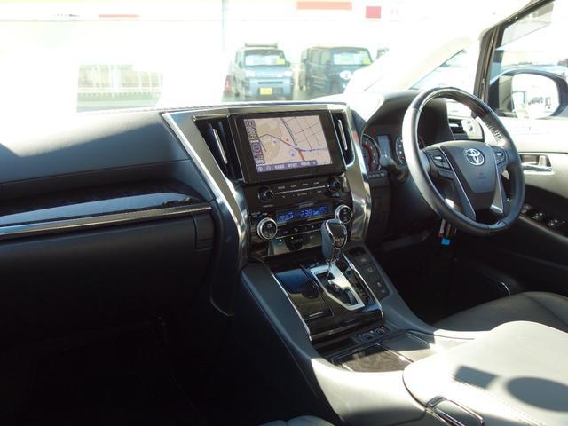 2.5S Cパッケージ 新車保証継承付 9インチTコネクトナビ付ディスプレイオーディオ フルセグTV 12.1インチリアモニター バックカメラ 合皮シート 3眼LEDライト 純正18インチAW 両側電動スライドドア(7枚目)