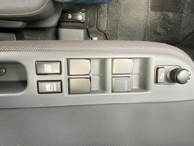スポーツ セットアプション 5速マニュアル BTオーディオ キセノンヘットライト フォグランプ 純正エアロ エイアスポイラー レカロシート スマートキー 盗難防止システム 16インチアルミ 6エアバック(30枚目)