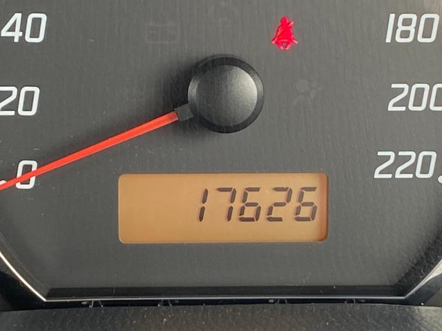 スポーツ セットアプション 5速マニュアル BTオーディオ キセノンヘットライト フォグランプ 純正エアロ エイアスポイラー レカロシート スマートキー 盗難防止システム 16インチアルミ 6エアバック(35枚目)