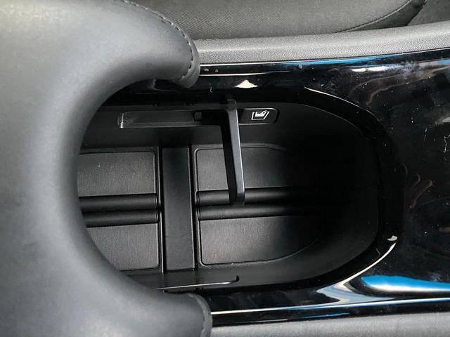 ハイブリッドX 衝突被害軽減ブレーキ Bluetooth対応純正ナビ バックカメラ ETC DVD再生 クルーズコントロール LEDヘッドライト パドルシフト 純正16アルミ あんしんパッケージ 記録簿・スペアキー有(20枚目)