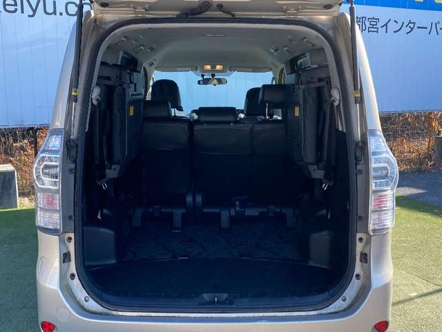 X Lエディション 8人乗り 純正メモリーナビ ETC バックカメラ 電動スライドドア CD HIDヘッドライト キーレスエントリー イモビライザー スペアキー有り シルキーゴールドマイカメタリック(17枚目)
