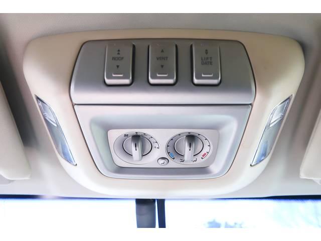 クォーターガラスパワーウィンドウ付き(3列目シート横の部分が外側に開きます)♪電動サンルーフ♪電動リアゲート付き♪