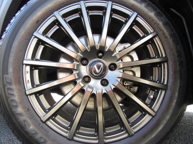 """機能性とデザイン性を高次元で融合したTRD鍛造19インチアルミホイール。""""F SPORT""""に更なる走りの躍動を、TRDが導きます。トヨタテクノクラフト製造のアルミ&タイヤセットで639,360円の商品"""