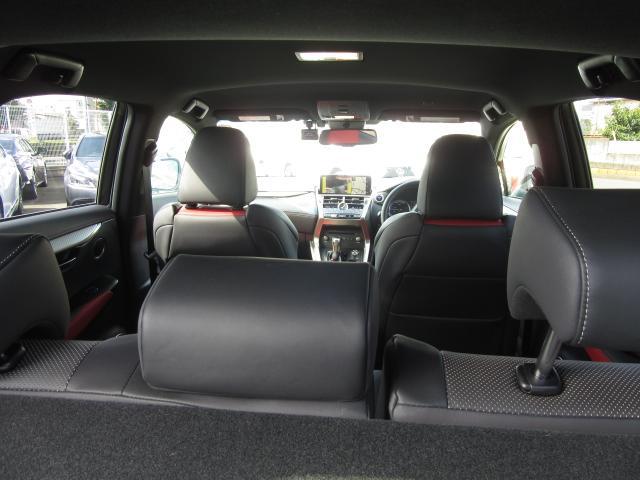 車内でもお好きな音楽や映像を楽しむ事ができる多彩なオーディオ&ビジュアル機能を標準装備。ハイクオリティのサウンドに包まれて、移動の時間を、または休憩のひと時を、更に充実したものにします。