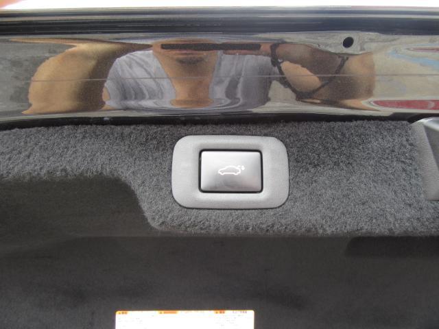 LS500hFスポ4WD1オナ赤革SR Dミラ TRDエアロ 4WD 1オナ 赤革SR 純ナビ地デジ LSS+ パノラミックV BSM Dミラー カラーHUD 禁煙車 TVジャンパ AC1500W 後席H パワトラ TRDエアロ(F・S・R・TR)&4本出マフラ(40枚目)