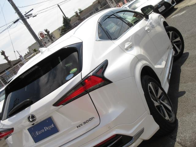 NX300hVerL4WD1オナ黒革SRパノラV モデエアロ 4WD 1オナ黒革SR ナビ地デジ LSS+ パノラミックV BSM PKSB カラーHUD 禁煙車 Dレコーダ エンスタ RCTA AHS 後席電動&H 3眼LED ルーフR 同色アーチ モデエアロ(7枚目)