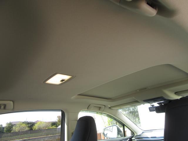 NX300hVerL4WD1オナ黒革SRパノラV モデエアロ 4WD 1オナ黒革SR ナビ地デジ LSS+ パノラミックV BSM PKSB カラーHUD 禁煙車 Dレコーダ エンスタ RCTA AHS 後席電動&H 3眼LED ルーフR 同色アーチ モデエアロ(59枚目)