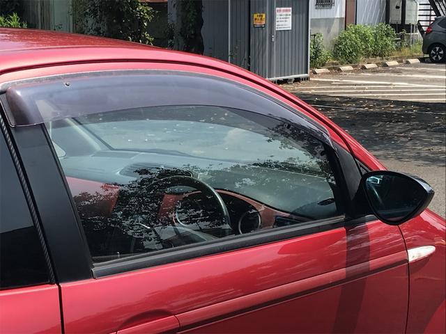 R 5速マニュアル キセノンライト ETC キーレス CD フォグランプ ダブルエアバッグ ABS 純正15インチアルミ(30枚目)