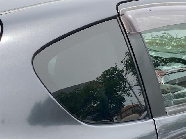 R キーレス CDオーディオ キセノンライト フォグランプ ドアバイザー リアワイパー ABS ダブルエアバッグ エアコン パワーステアリング パワーウインドウ 純正15インチアルミ CVTオートマ車(31枚目)