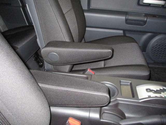 トヨタ FJクルーザー 寒冷地 SDナビ バックモニター ETC 1オーナー