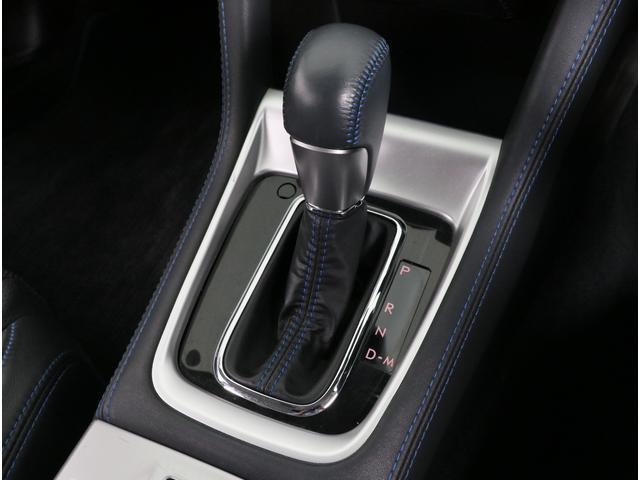 マニュアル車的に運転可能なマニュアルモード付です