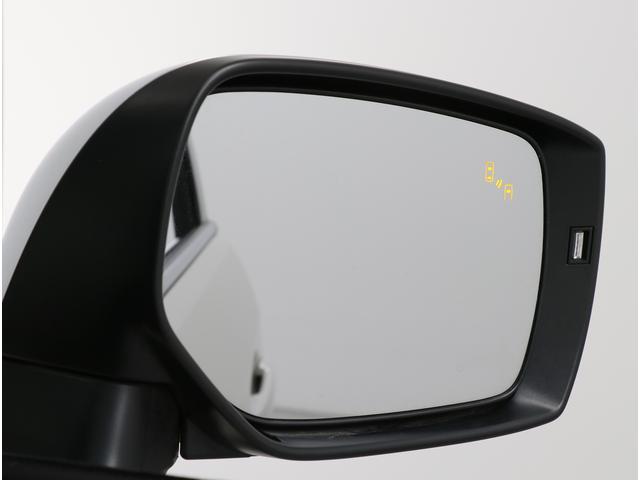 後側方警戒システムのスバルリヤビークルディテクション付ですので衝突の危険があるとシステムが判断した場合、ドアミラー内のインジケーターや警報音でドライバーに注意を促してくれます。