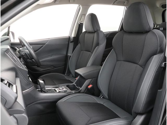 人間工学に基づいて設計されたフロントシートはロングドライブでも疲れづらい設計です!!