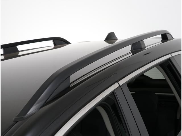 メーカーオプションのルーフレールを装備したモデルです!SUVを選ぶお客様には人気の高いアイテムです!!