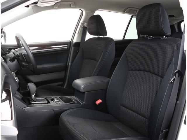 シートヒーターを装備した快適な空間です!!