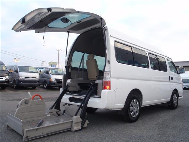 福祉車輌10人乗り 内車椅子2台(8枚目)