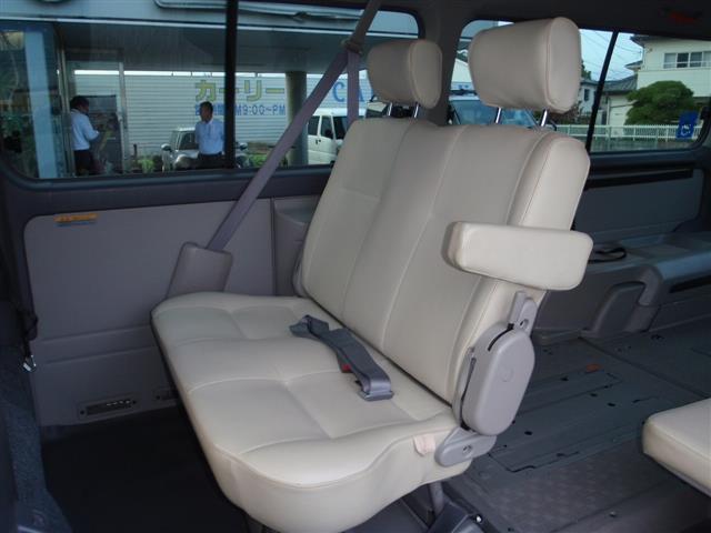 福祉車輌10人乗り 内車椅子2台(14枚目)