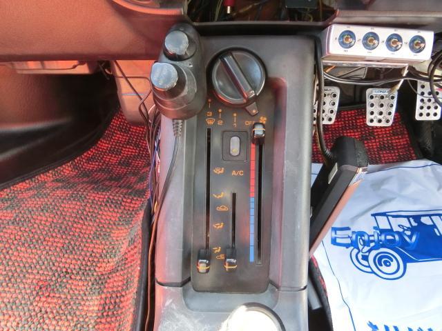 マツダ AZ-1 M2-1015・限定車 マフラー2本出し ブースト計