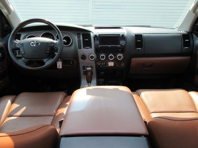 米国トヨタ セコイア プラチナム4WD レッドロック FUEL20inAW 126