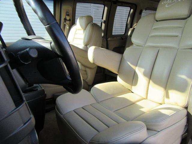 GMC GMC サバナ ギャラクシーインテリア 4WD サンルーフ 社外HDD地デジ