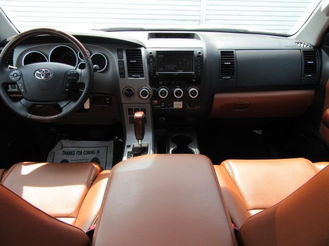 米国トヨタ セコイア プラチナム4WD レッドロック SR パワーBゲート 176