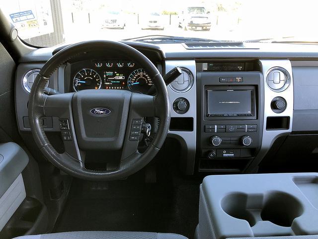 フォード フォード F-150 XLT 4WD 実走行証明書付 リフトアップ 社外フェンダー