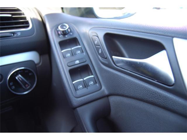 TSIコンフォートライン 純正アルミ ETC ディーラー車 ETC キーレス ターボ 純正アルミ MTモード付AT オートライト 電動格納ドアミラー 純正オーディオ(19枚目)